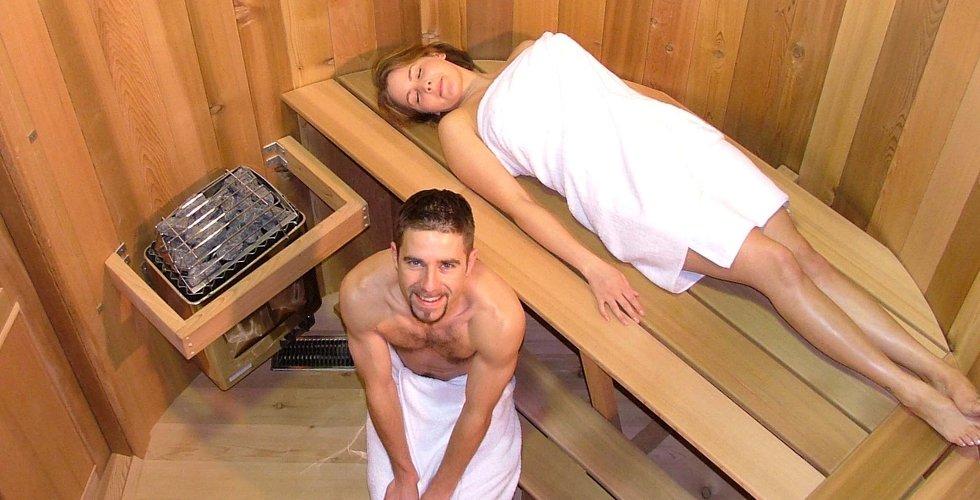 otsosala-russkaya-i-sglotnula-spermu-video
